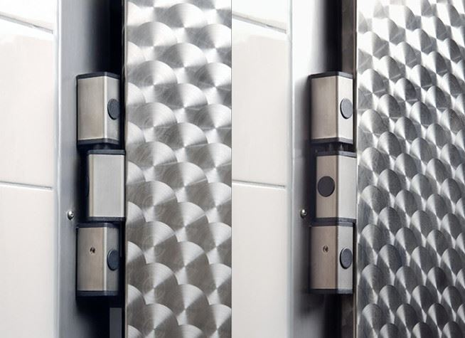 Hinged door VDM details